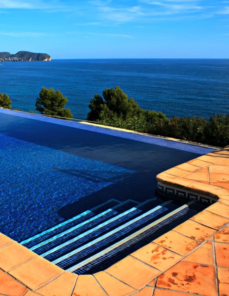 Pool resurfacing fiberglass or plaster for Pool resurfacing