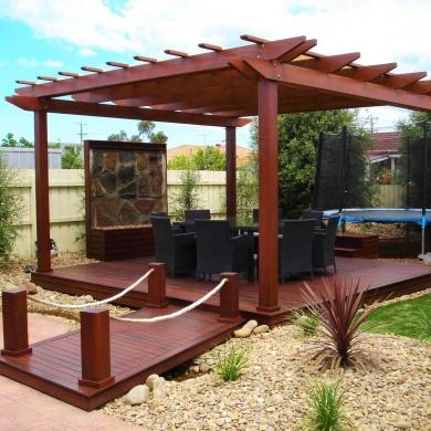 Freestanding deck with pergola