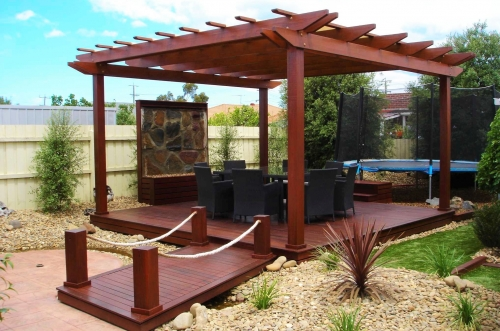 Freestanding deck with pergola