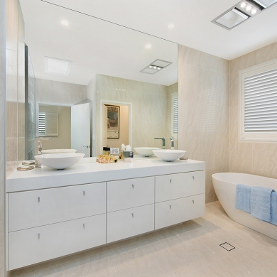 Large bathroom mirror to open up the space