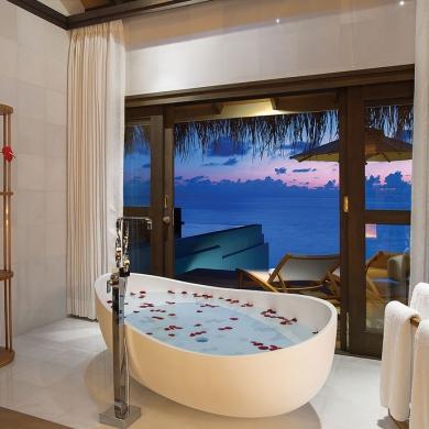 Modern tropical bathroom design