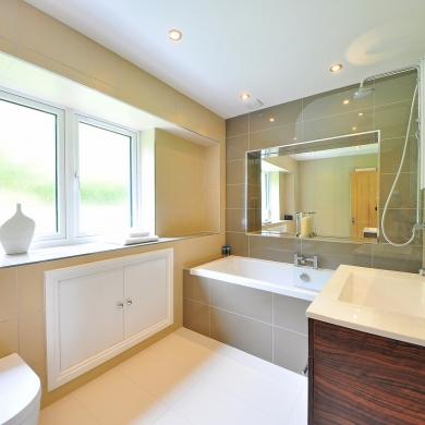 Big bathroom windows for more light