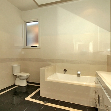 Simple and spacious bathroom design