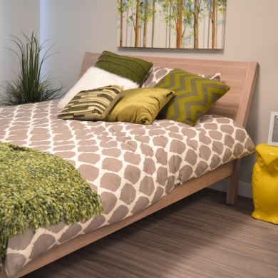 Nature-inspired bedroom colour combination