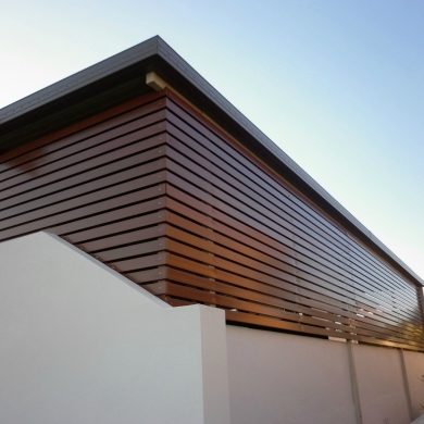 Fencing as a substitute for solid walls