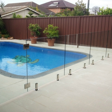 Glass pool fencing with glass gate
