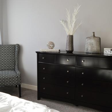 Elegant bedroom decoration