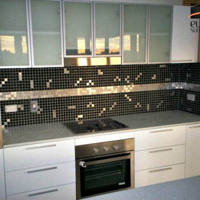 Mosaic tiling kitchen splashback