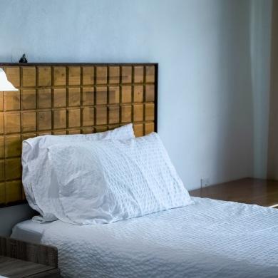 Ornamental wall light