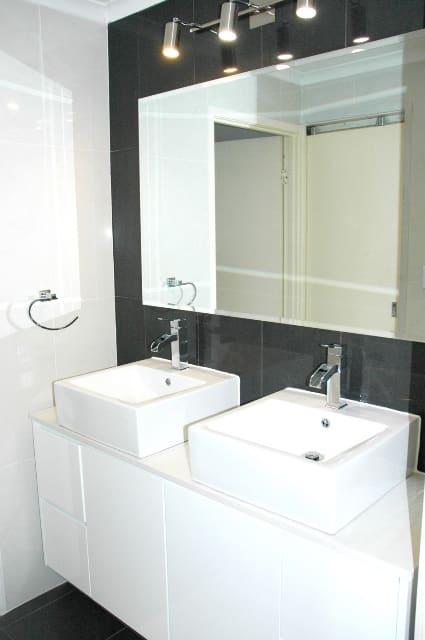 Bathroom renovation inspiration anthony davis for Bathroom renovation inspiration