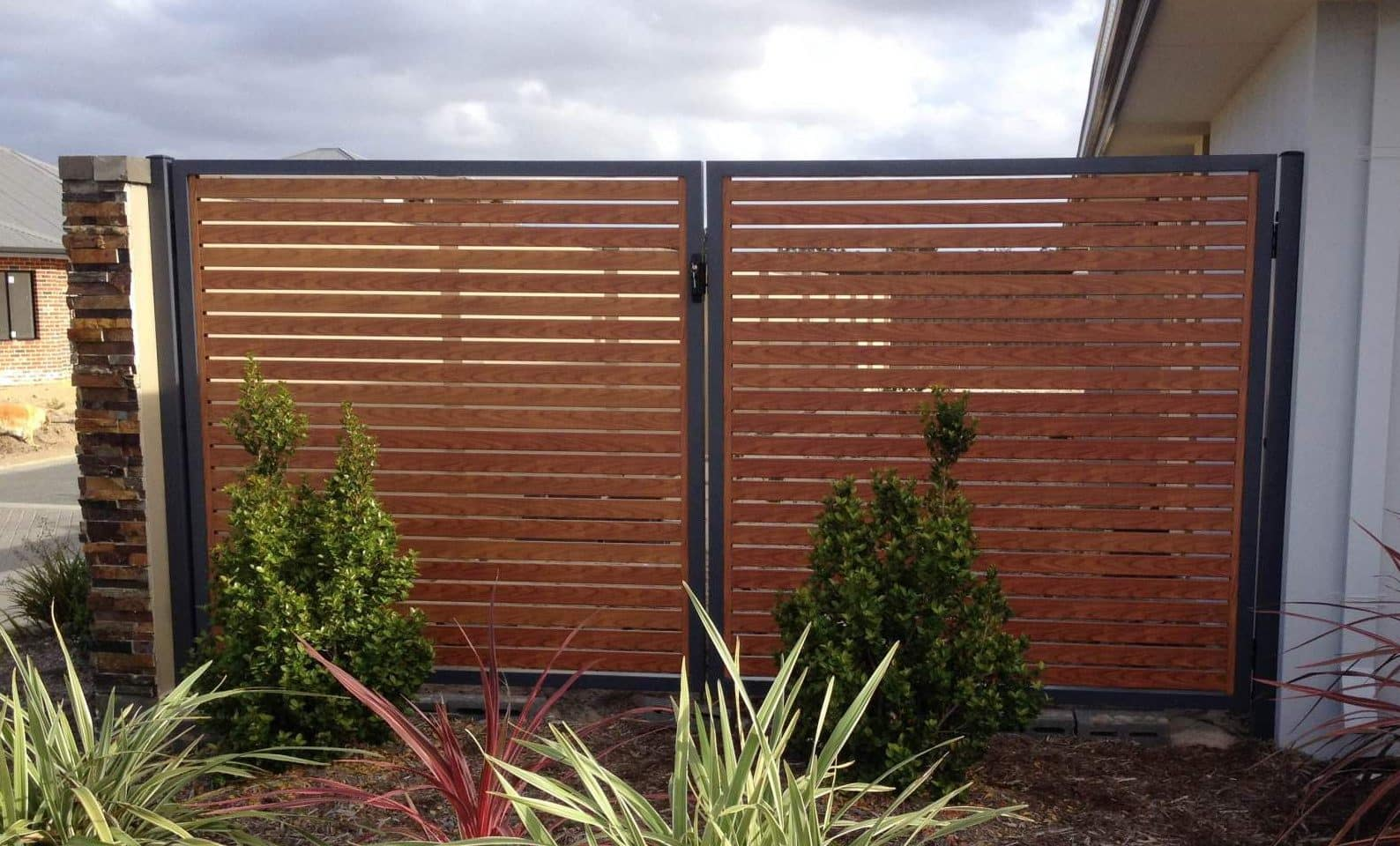 Cost of Fence Installation & Fence Cost Estimator