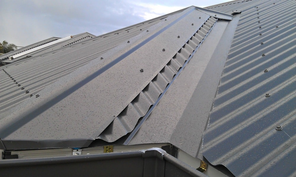 Roof with gutters