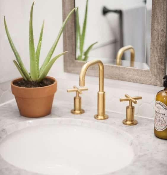 Bathroom brass faucet