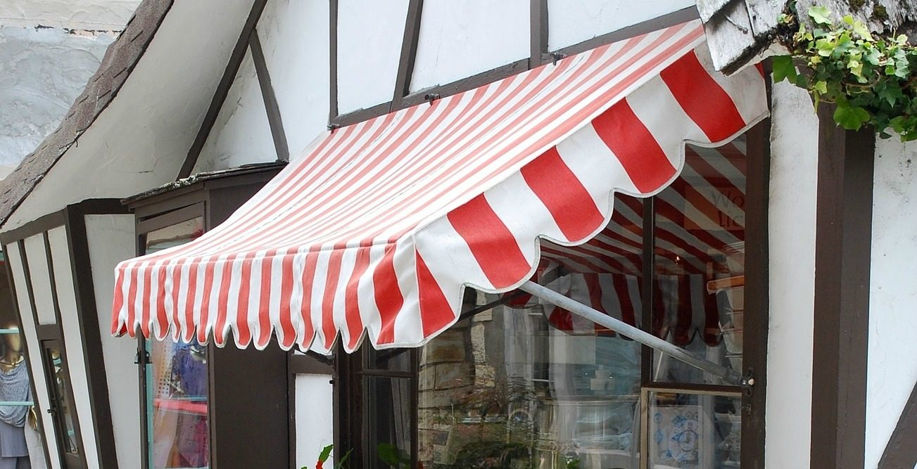 Installed red/white awning