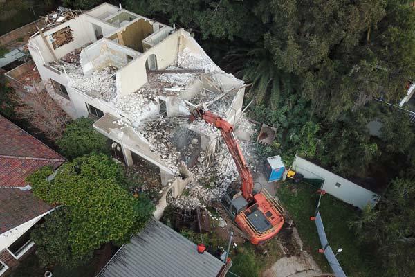 Framed residential building demolition