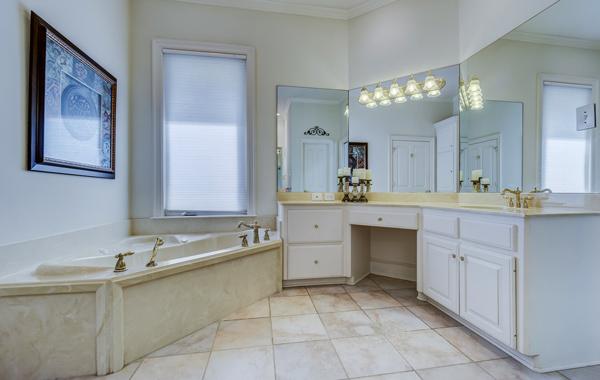contemporary marble bathroom design
